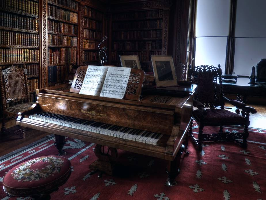 Piano in the library